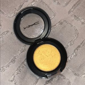 MAC Goldmine Frost Eyeshadow